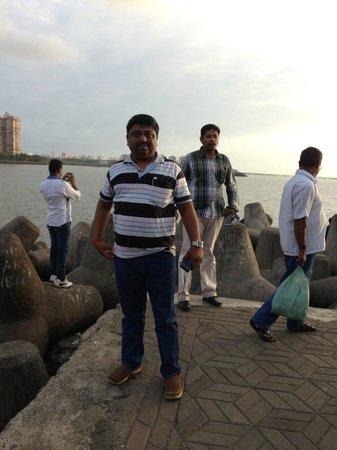 มารีนไดรฟ์: Mumbai