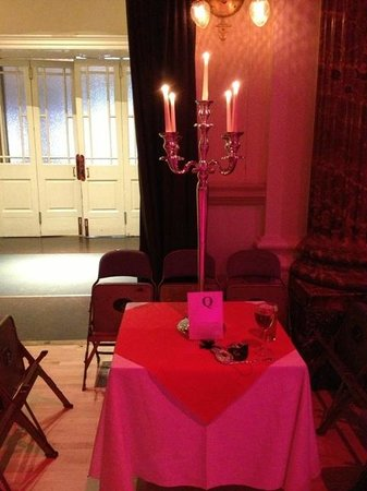 Cheltenham Town Hall: Table decoration at Masked Ball