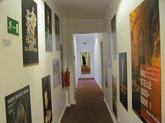 Arte Luise Kunsthotel: Corredor