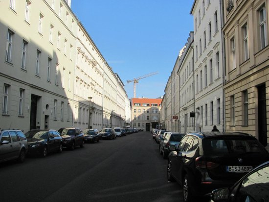 Arte Luise Kunsthotel: Hotel Arte Luise no fim da rua