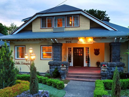 Villa Columbia Bed and Breakfast : Main entery