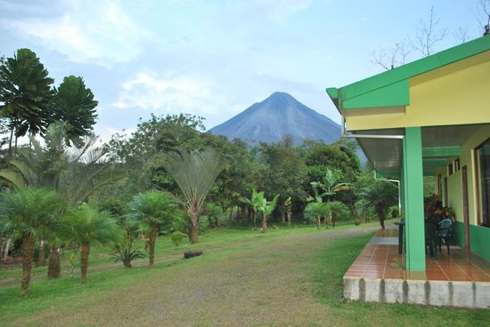 Cabinas Lumbres Del Arenal: view arenal