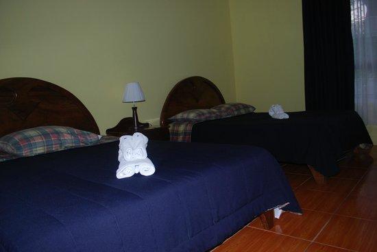 Cabinas Lumbres del Arenal : room