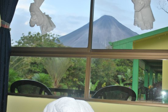 Cabinas Lumbres Del Arenal: view