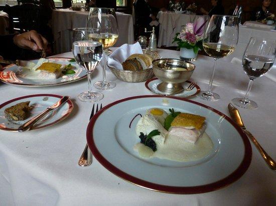 Schlosshotel Kronberg: Porzellan aus Höchst, Silber aus Frankreich, Küche von hoher Qualität
