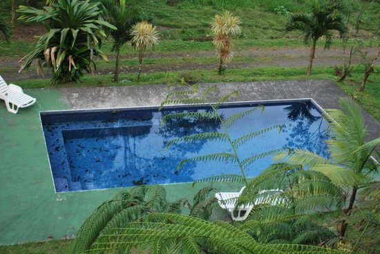 Cabinas Lumbres Del Arenal: pool area