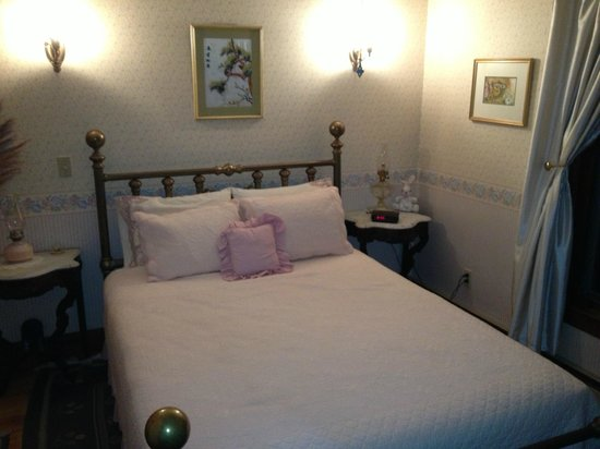Northfield Inn: Nice bed