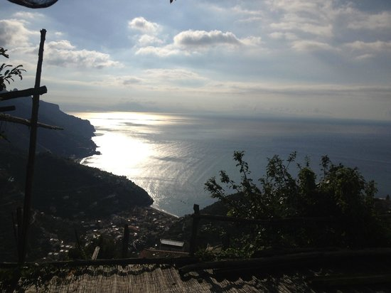 Ravello Rooms: View of the ocean in Ravello