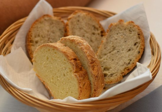La Lanterna: homemade bread