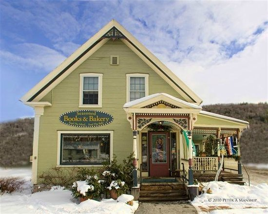 Sandy's Books & Bakery : A Vermont haven any time of year!