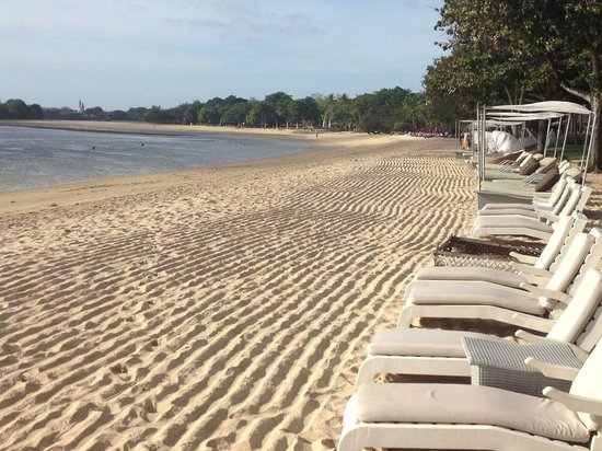 The Laguna, a Luxury Collection Resort & Spa: Beach in the morning.