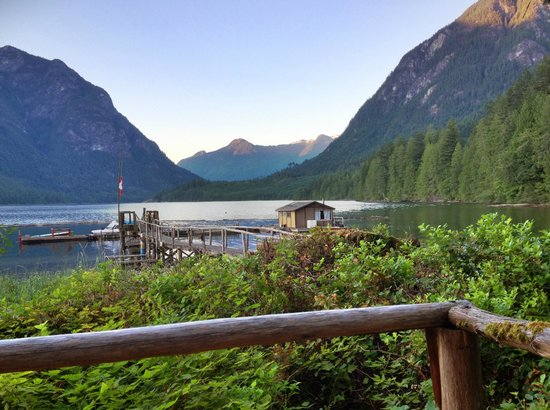 Tzoonie Wilderness Resort & Adventures: The view