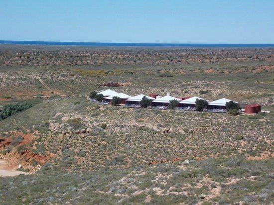 Ningaloo Lighthouse Caravan Park: view of the lookout chalets from the lighthouse