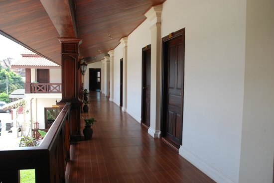 Luang Prabang Legend Hotel: Lao Architecture & Wooden Style