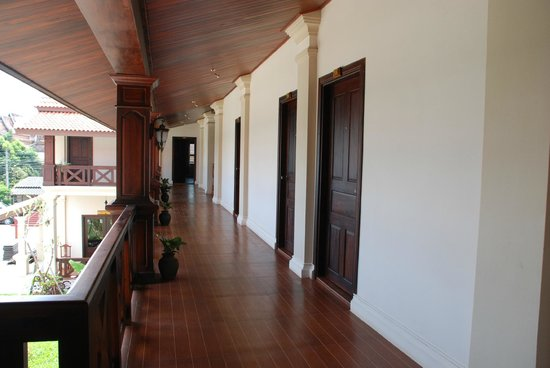 Luang Prabang Legend Hotel: Lao Architecture Style