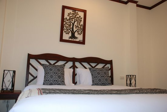 Luang Prabang Legend Hotel: Deluxe Double Room: Classice B&W