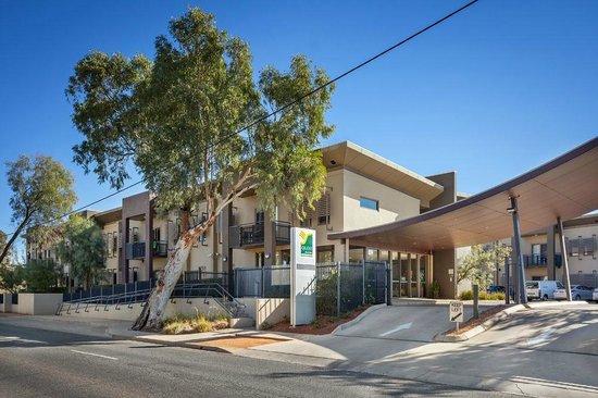 Quest Alice Springs: Front enterance
