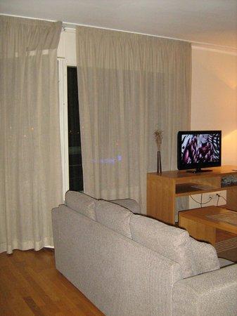 Adelle Apartments: гостиная (№61)