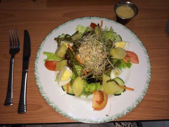 French Deli & Gourmet Shop : Nicosia salad