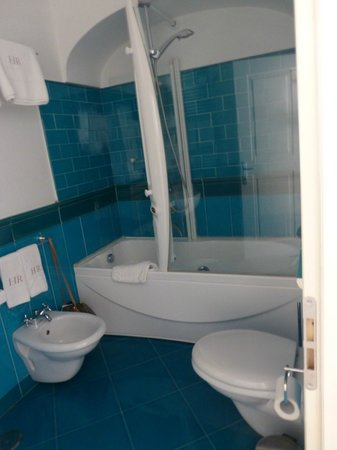 Residence Hotel: Bathroom