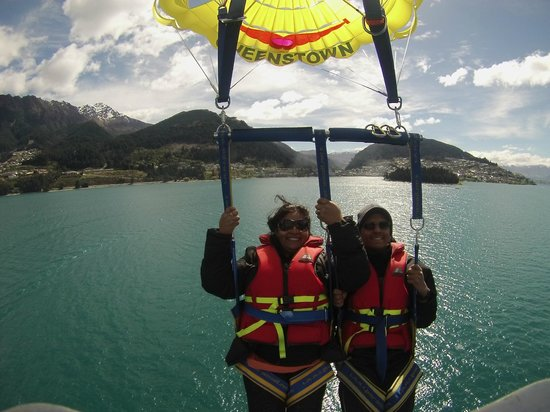 Queenstown Paraflights: Up up and fly