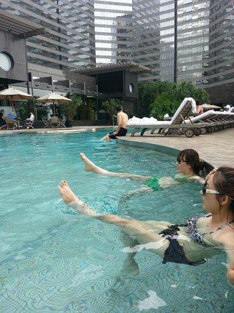 Swimming Pool Picture Of Renaissance Hong Kong Harbour View Hotel Hong Kong Tripadvisor