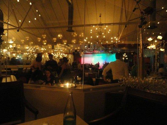 Pigalle Restaurant : Ambiente