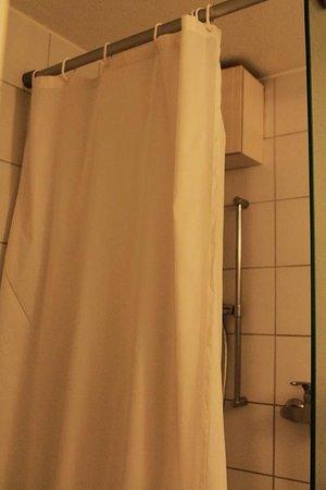Ibis Zürich Adliswil: Bathroom