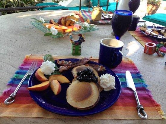 Casa Contenta Bed & Breakfast: breakfast