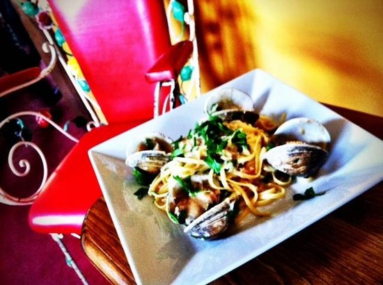 The Parker House Inn and Restaurant: linguini with New England Cockle clam  sauce
