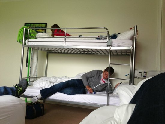 Hostel B47: Bunkbeds in 4 person room