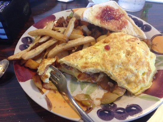 Papa Pete's of Bennington: Awesome apple, cheddar, and onion omelette. Ohhh so good!