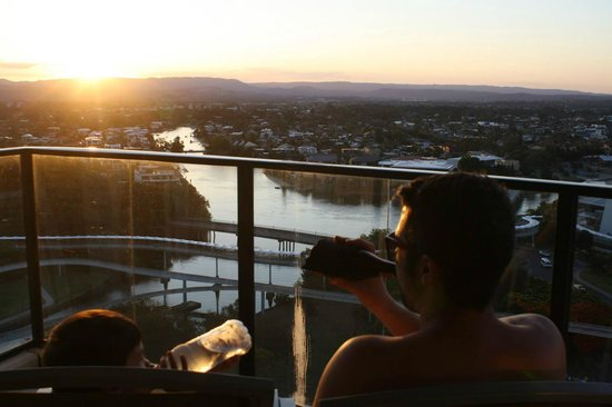 Mantra Broadbeach on the Park: Stunning sunset from 1702