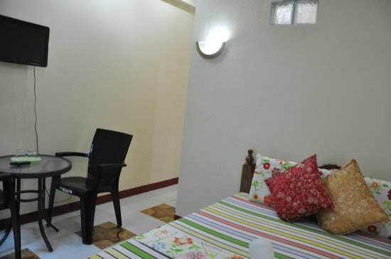 D' Lucky Garden Inn & Apartelles Palawan: room  where i stayed