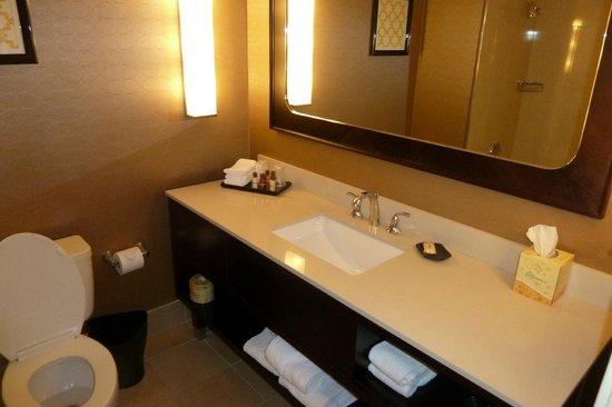 Sheraton Pleasanton Hotel: sink