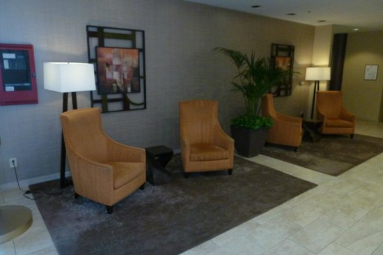 Sheraton Pleasanton Hotel: lobby area