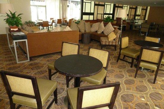 Sheraton Pleasanton Hotel: dining area