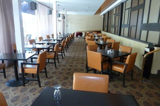 Sheraton Pleasanton Hotel : restaurant seating