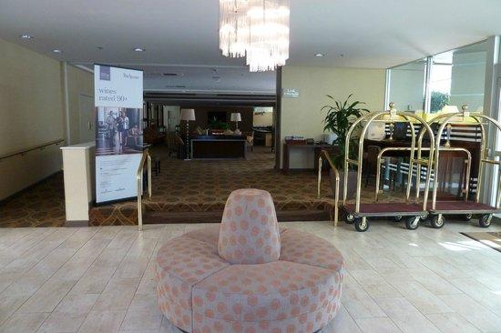 Sheraton Pleasanton Hotel: lobby