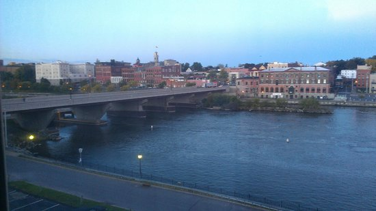 Quality Inn & Suites Riverfront : View from 5th floor river view room