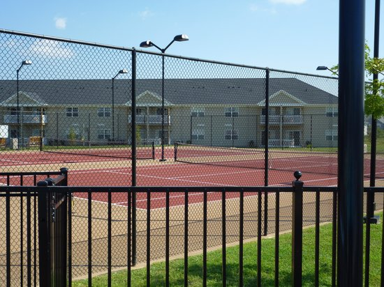 The Colonies at Williamsburg Resort: Tennis Court