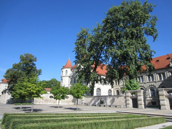 Bavarian National Museum (Bayerisches Nationalmuseum): Grounds of the museum