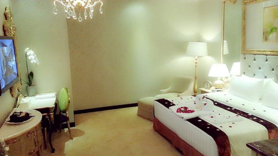 Amaroossa Royal Bogor: Honeymooner package