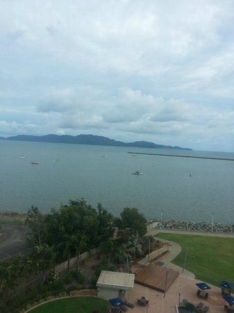The Ville Resort-Casino: Can see Magnetic Island from our room!