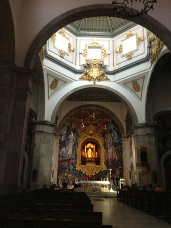 Basílica de Nuestra Señora de la Candelaria: The interior of the Basilica
