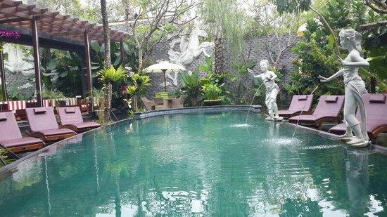 The Bali Dream Villa & Resort: Public swimming pool
