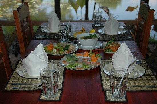 Batchum Khmer Kitchen Food: Batchum Khmer Kitchen