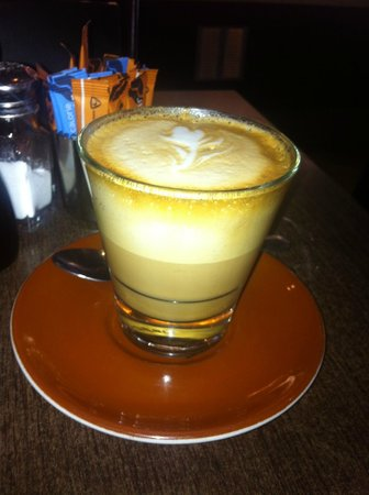 The Good Oil Cafe: Would you be satisfied with this? Not your usual latte..