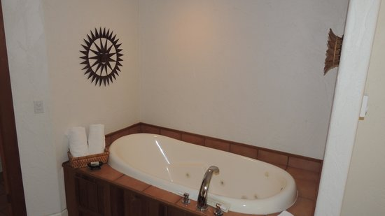 Arch Cape Inn & Retreat: Jetted tub