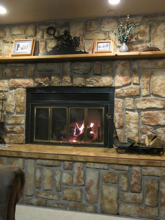 North Shore Lodge: the fireplace